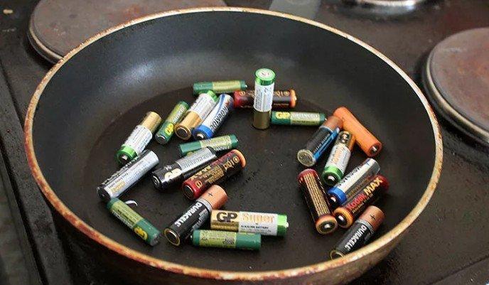 почему быстро греются батарейки