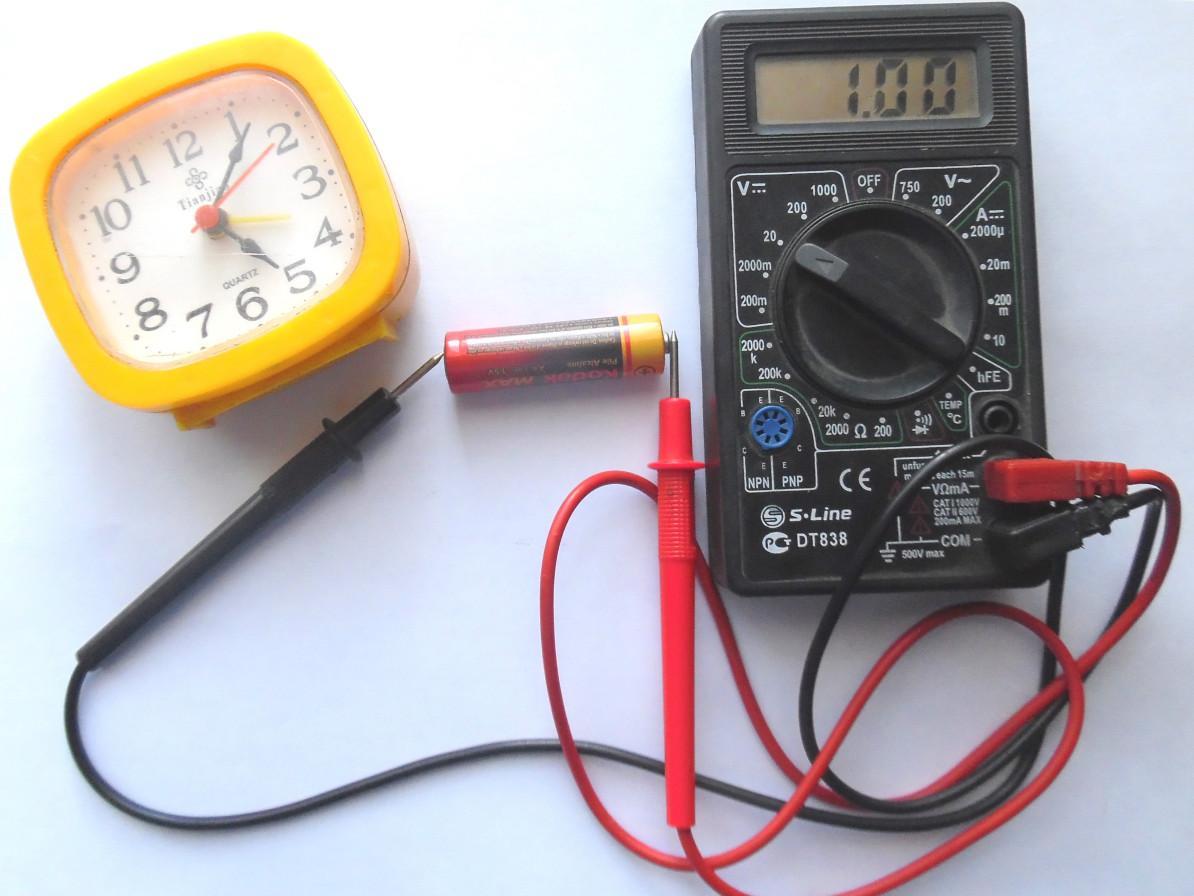 Как разобрать батарейку пальчиковую