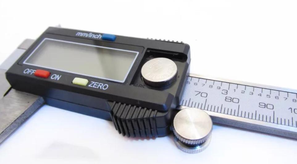 Батарейка для штангенциркуля