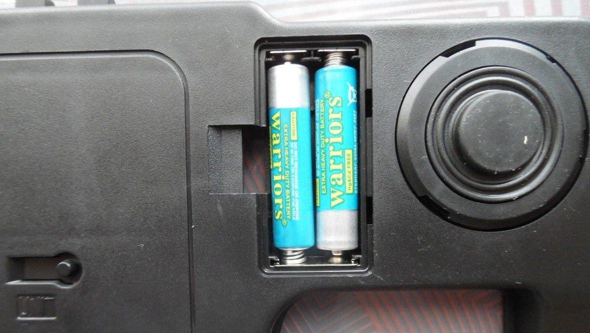 Как вставить батарейку в напольные весы