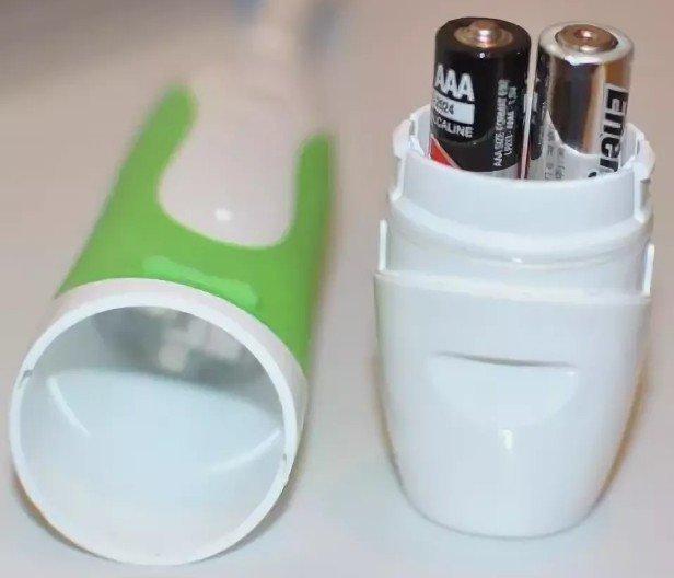 Замена батарейки в зубной щетке