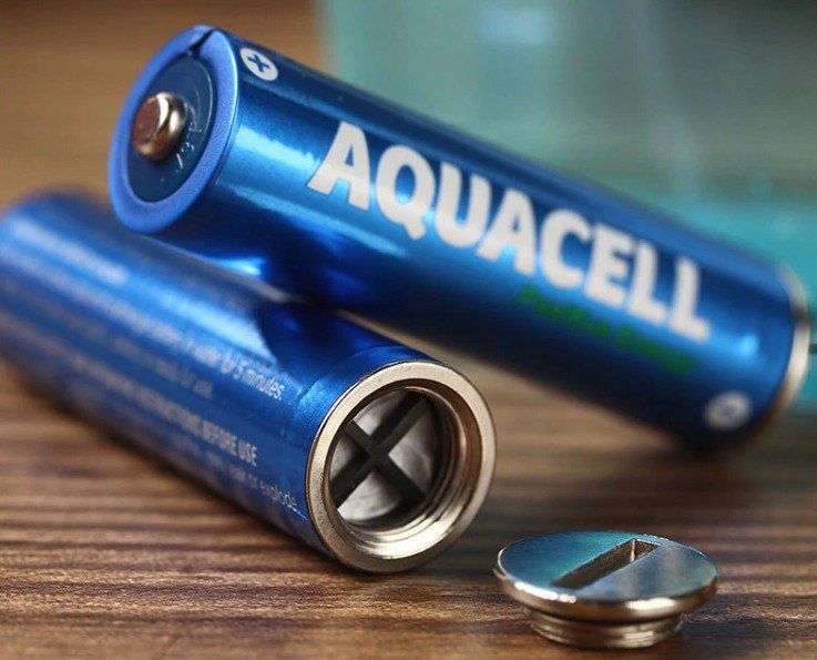 Батарейка на воде в разборе