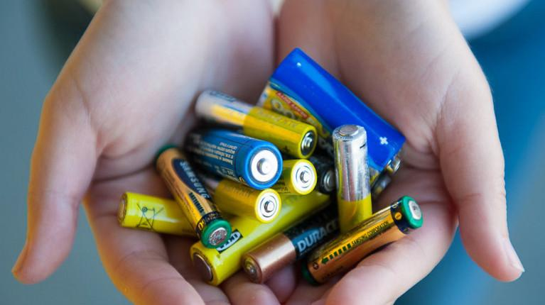 Какие батарейки дольше работают
